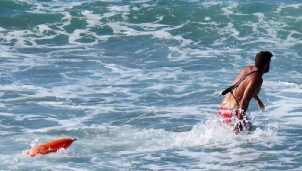 Κρήτη: Οι ναυαγοσώστες έσωσαν από πνιγμό έξι άτομα!