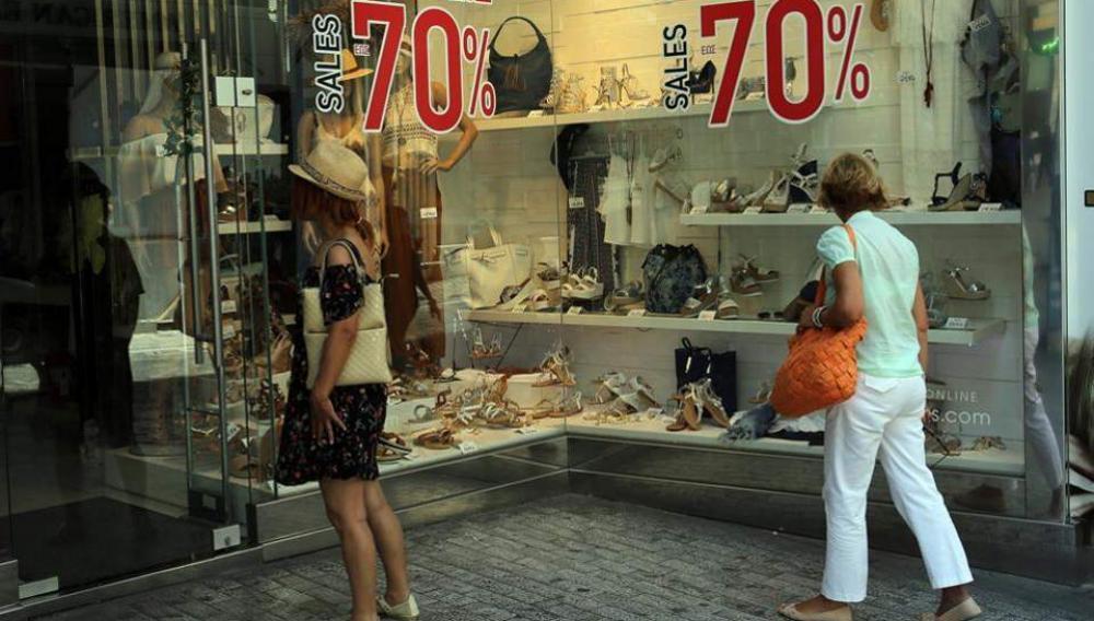 Εκπτώσεις: Πτώση πωλήσεων για 7 στις 10 επιχειρήσεις