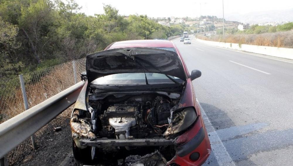 Ηράκλειο: Το ταξί άρπαξε φωτιά