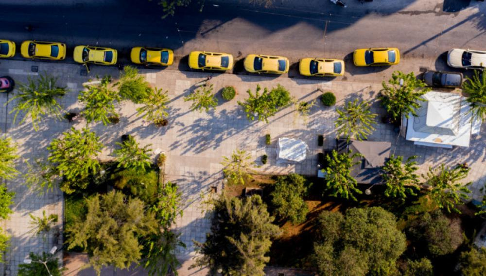 Πότε θα δούμε στους δρόμους τα πρώτα ηλεκτρικά ταξί