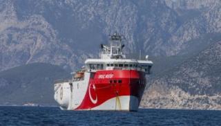 Νότια από το Καστελόριζο βρίσκεται το τουρκικό ερευνητικό σκάφος Oruc Reis