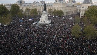 Γαλλία: Χιλιάδες πολίτες αποτίουν φόρο τιμής στην μνήμη του Σαμιέλ Πατί