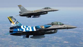 Καστελλόριζο: Τα f-16 πέταξαν πάνω από την τεράστια ελληνική σημαία του Κρητικού (βίντεο)