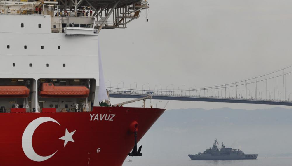 Αποχωρεί το γεωτρύπανο Γιαβούζ και κινείται προς Τουρκία
