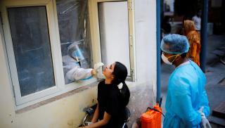 Ινδία: Τα κρούσματα έφτασαν τα 6,84 εκατομμύρια
