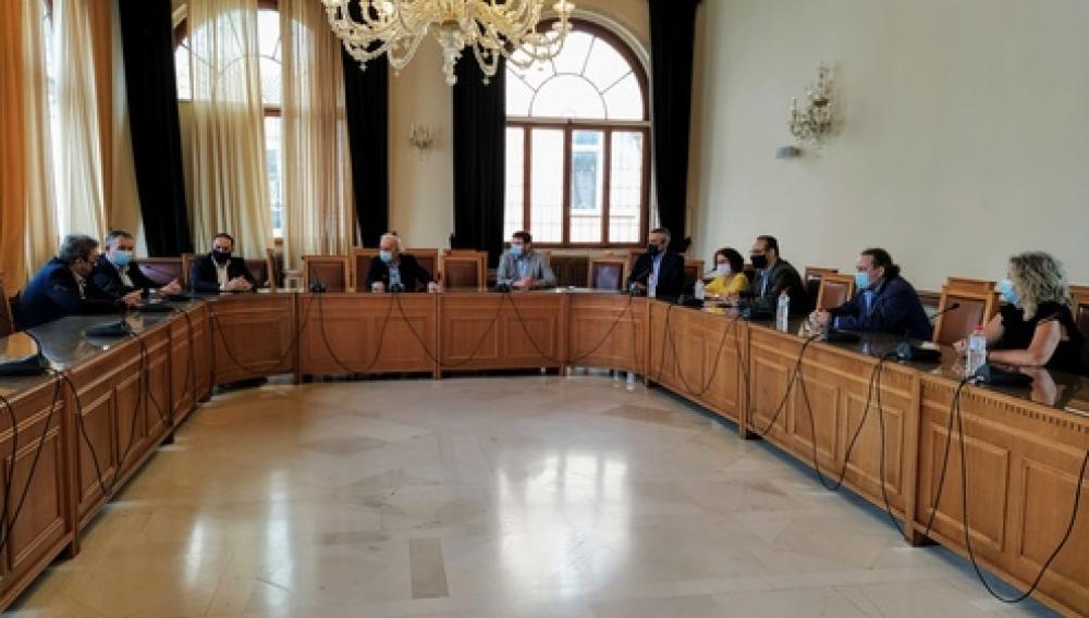Τα ζητήματα της Τοπικής Αυτοδιοίκησης στη συνάντηση Δημάρχου Ηρακλείου και αντιπροσωπείας βουλευτών και στελεχών του ΣΥΡΙΖΑ
