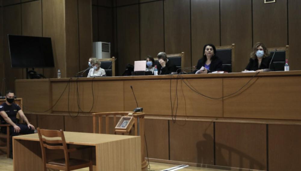 Το newshub.gr στη δίκη της Χρυσής Αυγής -Οι αντεγκλίσεις και τα επιχειρήματα για τα ελαφρυντικα!