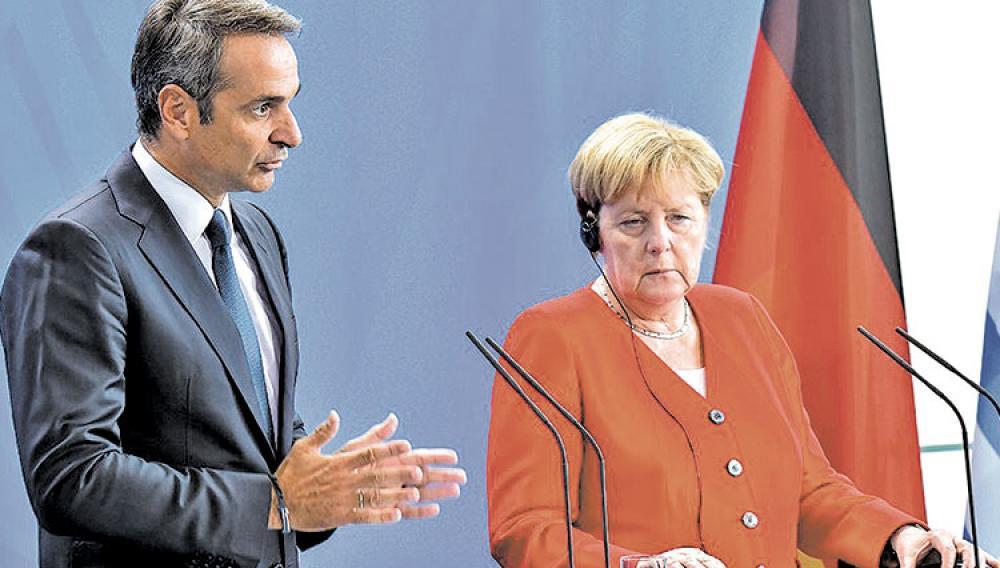 Επικοινωνία Μέρκελ-Μητσοτάκη: Τι ζήτησε ο πρωθυπουργός από την καγκελάριο για τη Μόρια