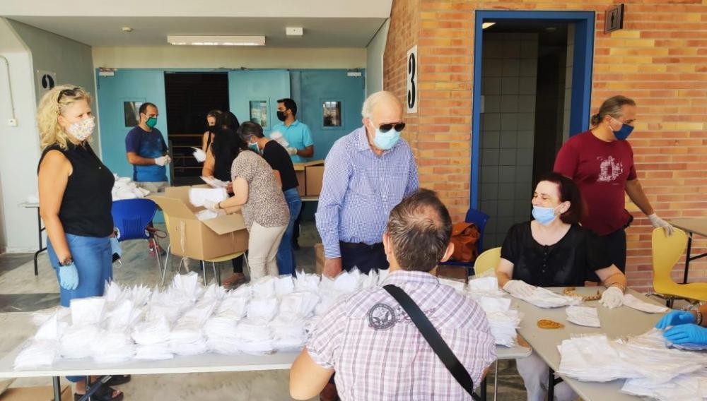 Ήρθαν οι μάσκες και τα παγουρια για τα σχολεία του Ν. Ηρακλείου