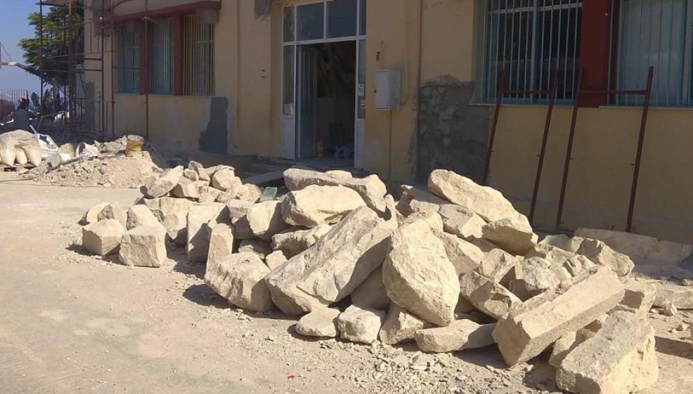 Δημοτικό στη Φορτέτσα: Ένα σχολείο εργοτάξιο  λίγες ώρες πριν το πρώτο κουδούνι (φωτογραφίες)