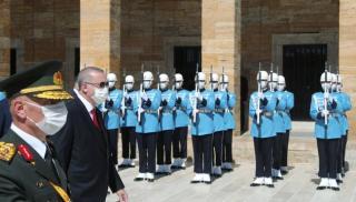 Οι εκβιασμοί του Ερντογάν για πόλεμο, η σημασία του Καστελλόριζου και η στάση της Ελλάδας