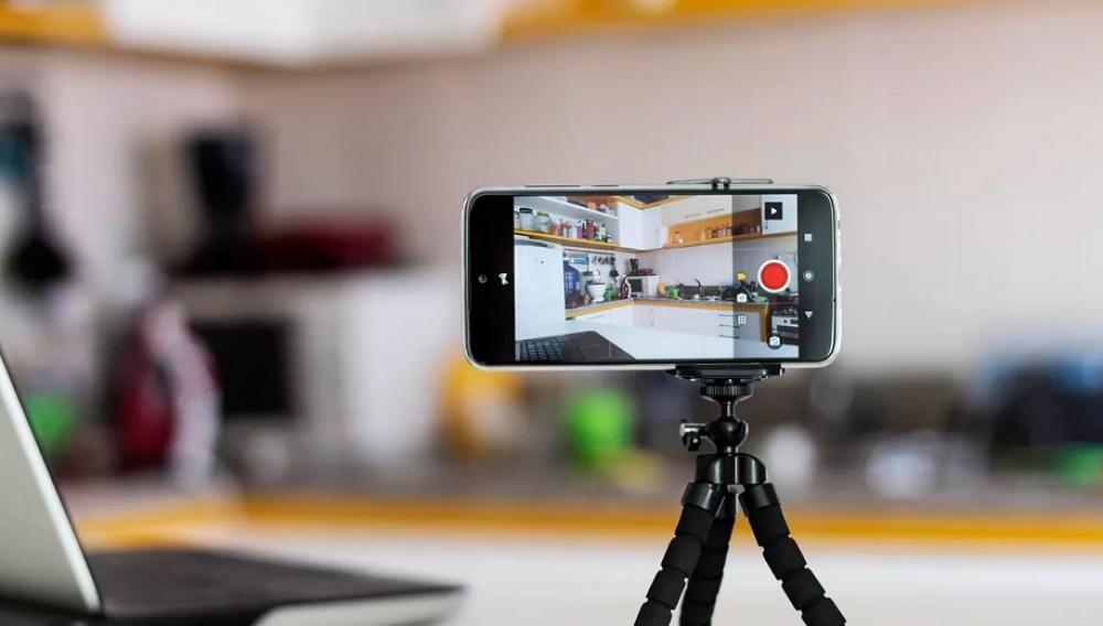 Χρήσιμες εφαρμογές για μετατροπή iPhone ή Android smartphone σε WebCam