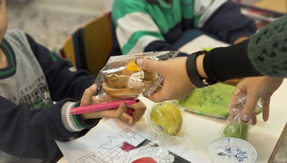 Ξεκινά το πρόγραμμα των ζεστών σχολικών γευμάτων στα σχολεία