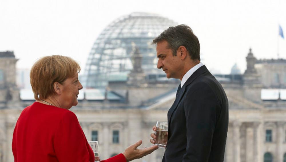 Επικοινωνία Μητσοτάκη-Μέρκελ: Τι είπαν για προσφυγικό και Αν. Μεσόγειο