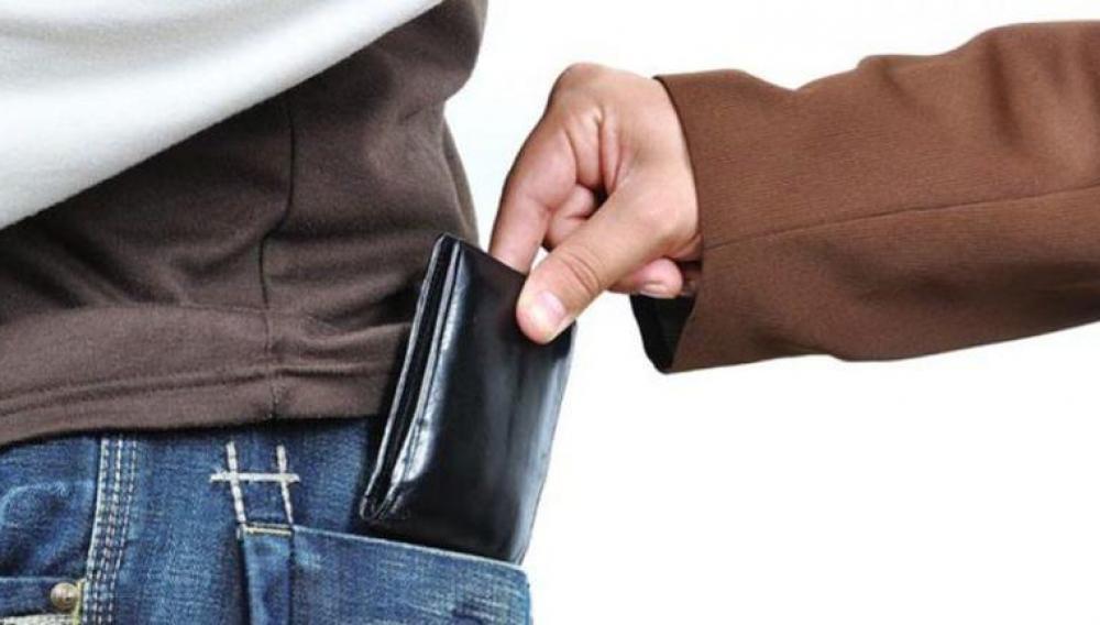 Κρήτη: Πορτοφολάς άρπαξε πορτοφόλι μέσα από κατάστημα