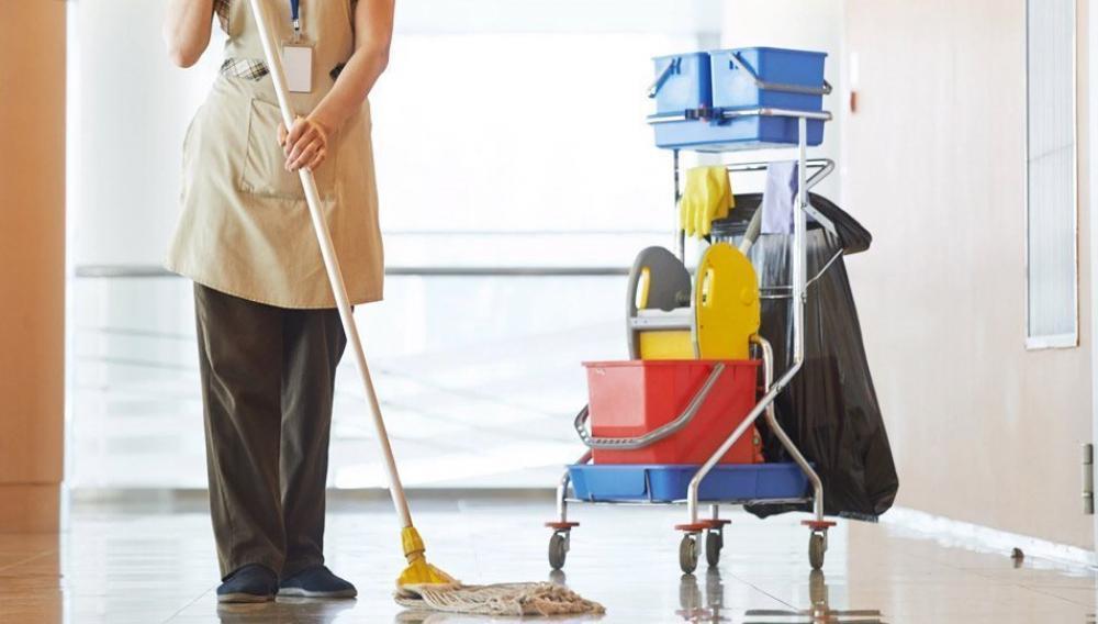 Ηράκλειο: Πήγε να καθαρίσει το σχολείο και την απείλησαν!