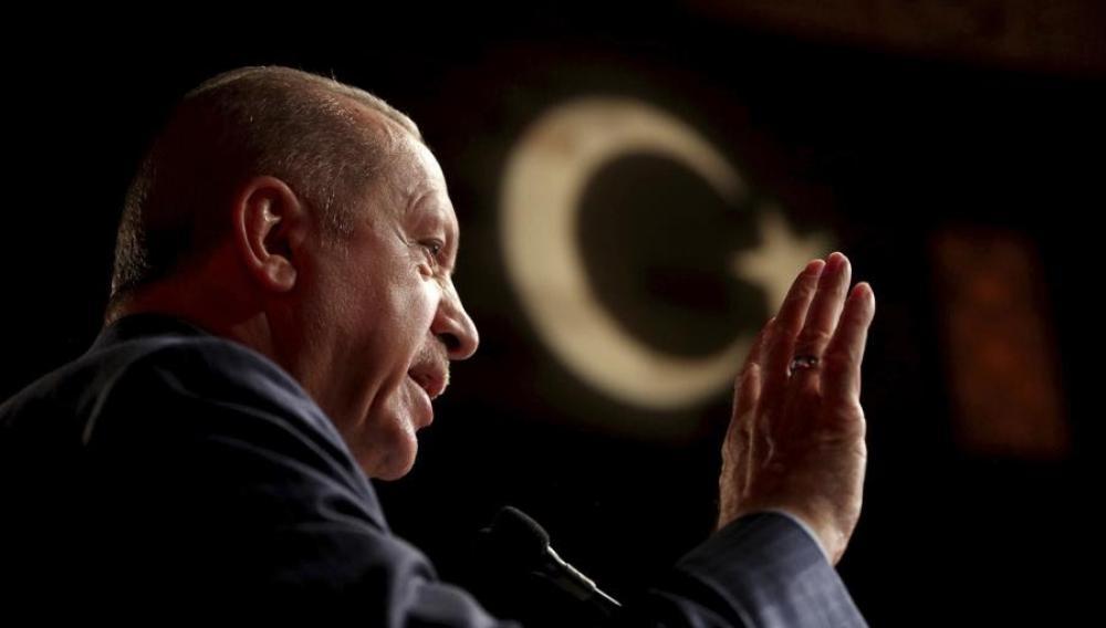 «Κεραυνοί» από Foreign Policy και Moody's κατά Ερντογάν