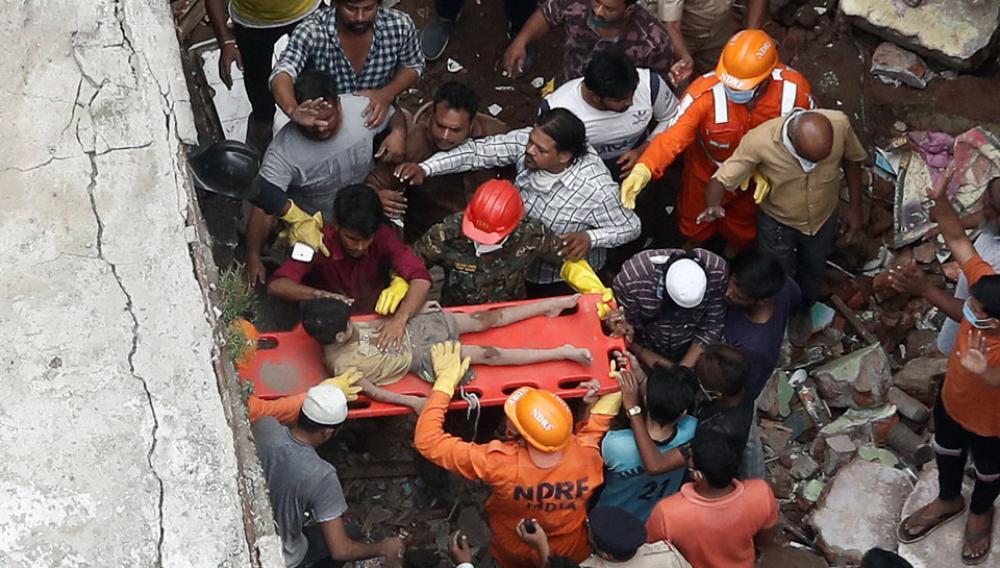 Ινδία: Στους 35 οι νεκροί από την κατάρρευση κτιρίου