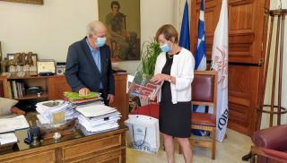 Εθιμοτυπική συνάντηση Δημάρχου Ηρακλείου Βασίλη Λαμπρινού με την  Πρέσβειρα του Βελγίου