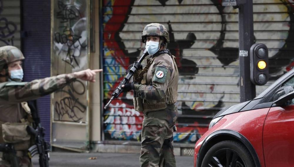 Παρίσι: Επίθεση με μαχαίρι κοντά στα γραφεία του Charlie Hebdo