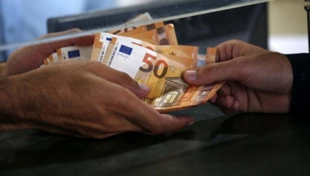 «Τρύπα» 3,6 δισ. στα φορολογικά έσοδα