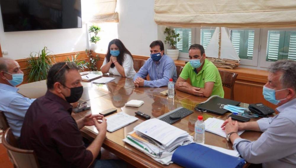 Συνάντηση των Εργατικών Κέντρων για τους εργάτες γης