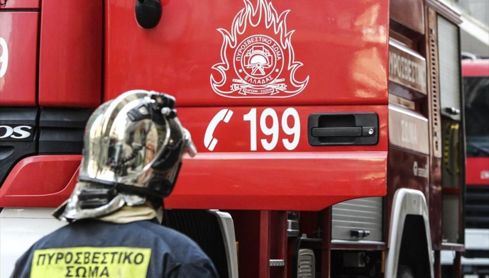 Φωτιά ξέσπασε σε φορτηγό στην Αγία Πελαγία