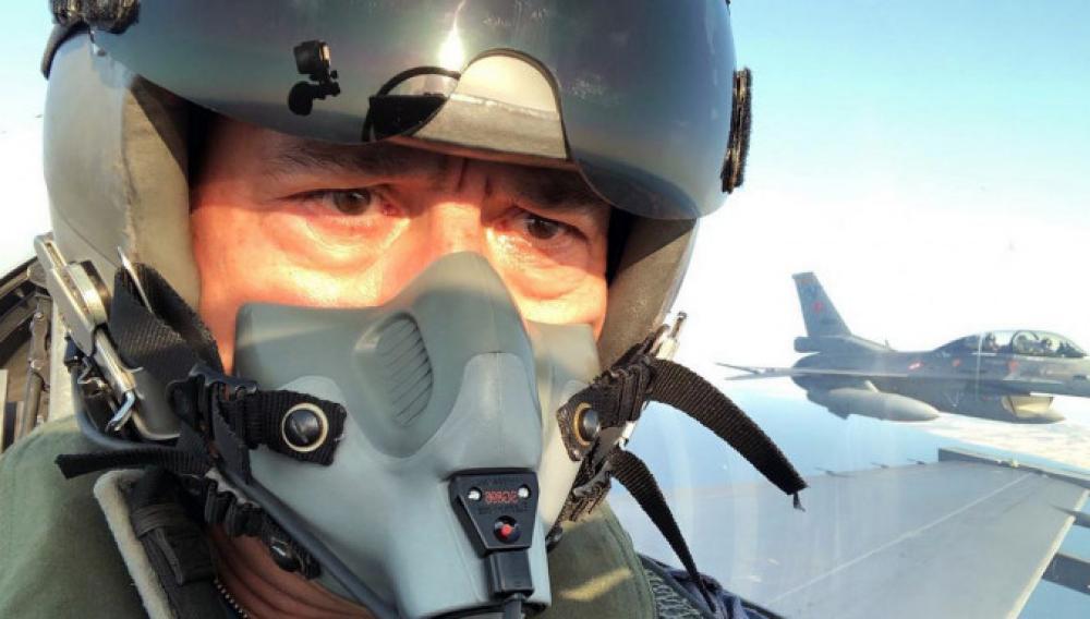 Ακάρ: Πέταξε με F-16 και απειλεί Γαλλία-ΗΠΑ