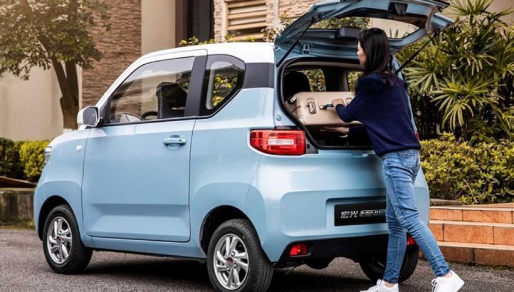 Το ηλεκτρικό αυτοκίνητο των 3.500 ευρώ που πουλά σαν τρελό στην Κίνα