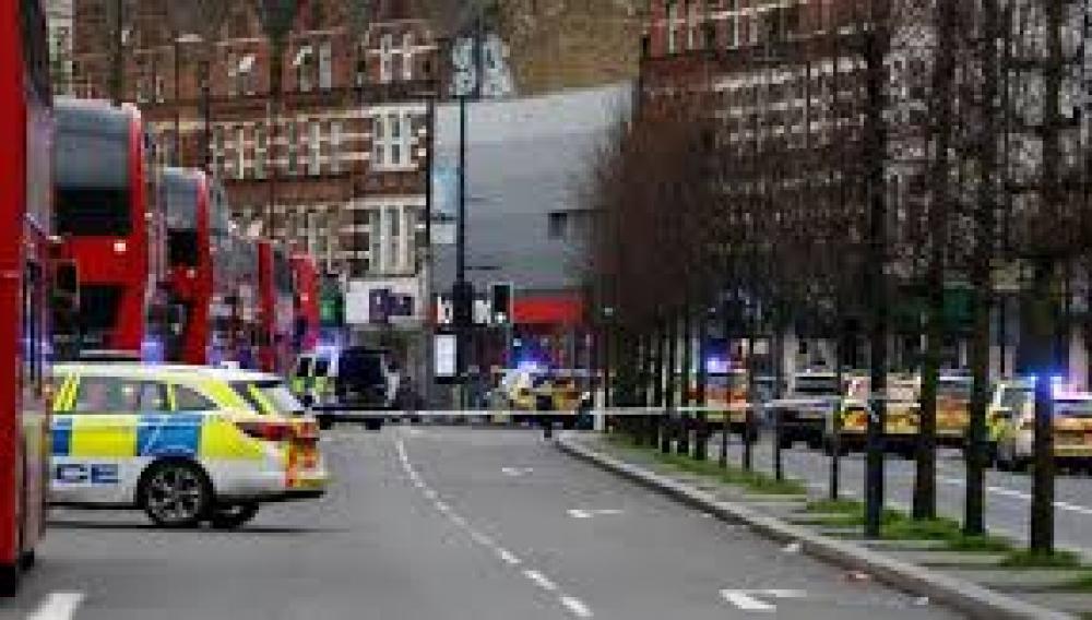 Βρετανία: Τραυματίες από μαχαίρια