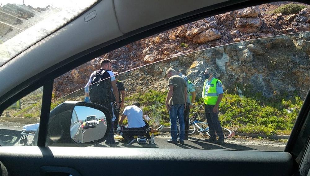 Ηράκλειο: Τροχαίο με δικυκλιστή στο ΒΟΑΚ (φωτογραφίες)